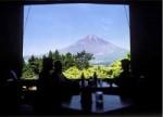 窓から見える富士山の絶景